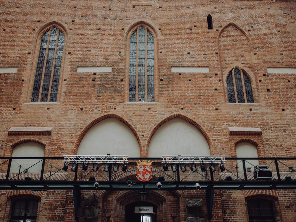 mury zamku w gniewie guzikfotografuje