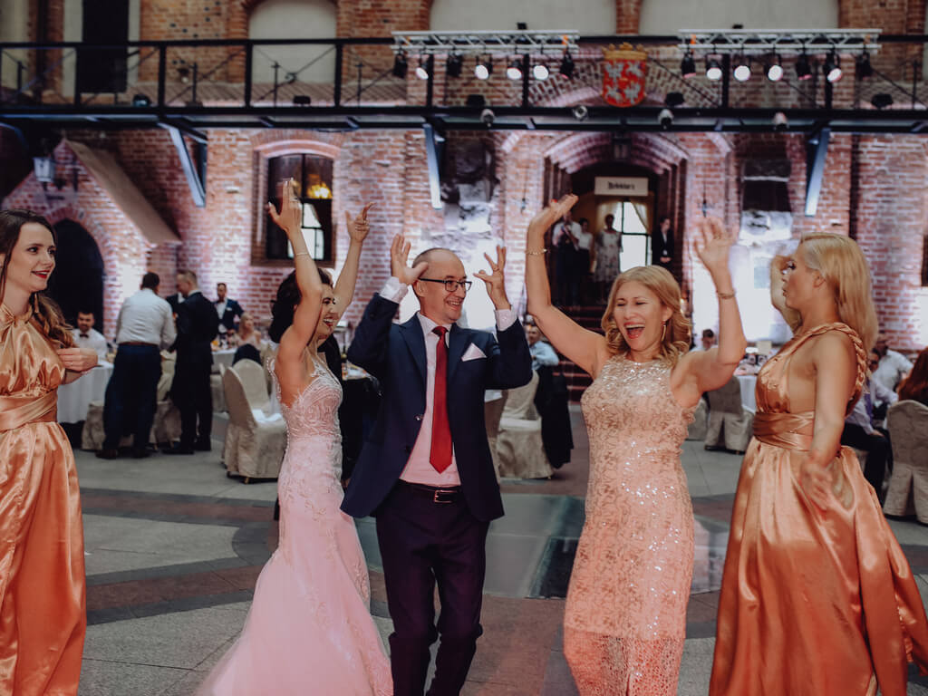 tańce na weselu zamek gniew guzikfotografuje